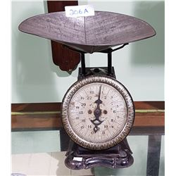 1903 PELOUZE SCALE & MFG CO., CHICAGO USA COUNTER TOP TIN SCALE W/TRAY