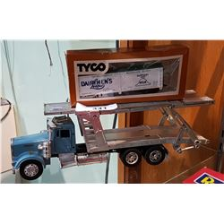 KENWORTH DIE CAST TRUCK & VINTAGE TYCO BOX CAR HO SCALE