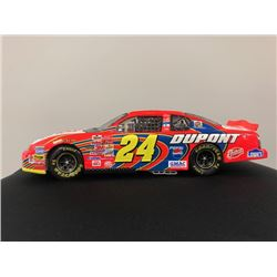 EXCLUSIVE NASCAR COLLECTION! LIMITED EDITION AUTHENTIC RACING COLLECTABLE #24 JEFF GORDON DUPONT 1:2