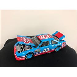 EXCLUSIVE NASCAR COLLECTION! LIMITED EDITION AUTHENTIC RACING COLLECTABLE AUTOGRAPHED #43 RICHARD PE