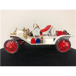BEAUTIFUL 1913 MODEL T SPEEDSTER 1:18 SCALE DIE CAST REPLICA