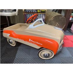 VINTAGE ROYAL DELUXE 1950s RESTORED PEDAL CAR