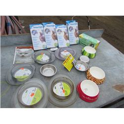 LOT OF CAT SUPPLIES (DISHES, LINERS, ETC) *NOS*