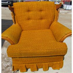 CHAIR (VINTAGE) *GOLD* (WITH ALL CUSHIONS)