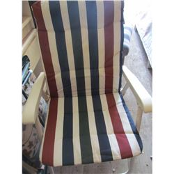 LOT OF 5 LAWN CHAIRS AND UMBRELLA