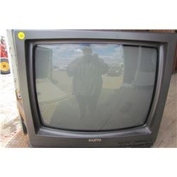 """SANYO TV (21"""") *WITH REMOTE*"""