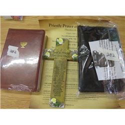 LOT OF 2 ROLL UP TRAVEL ORGANISERS AND PRIESTLY PRAYER (PRAYER OF BLESSINGS)