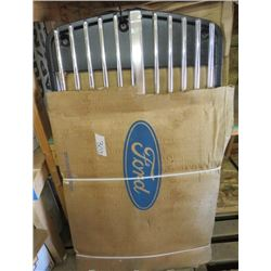 FORD GRILL (NOS) *650*