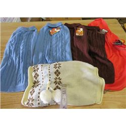 LOT OF 6 DOG SWEATERS (VARIOUS SIZES) *NOS*