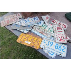 LOT OF OVER 20 ASSORTED LICENSE PLATES (2 X1967, THE REST 1970S)