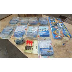 LOT OF HOBBY ITEMS ( 9 MODEL AIRPLANES, PAINT SET, TOYS, ETC…) *SOME N.O.S.*