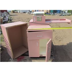 MANICURE DESK (ELECTRIC WITH EXTRA PLUGINS BUILT IN) *HANDS FREE MAGNIFYING GLASS* (FOLD AWAY WORK S