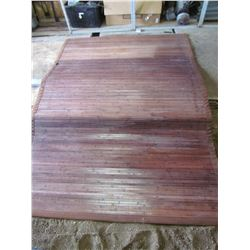 """LOT OF 2 METAL BED RAILS AND BAMBOO RUG (7.5' L X 63""""W) *BED RAILS 79""""L* (RAILS WITH PLASTIC ENDS 5'"""
