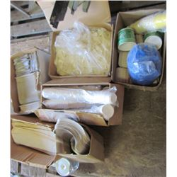 LOT OF DISPOSABLE FOOD TAKE OUT CONTAINERS (CUPS, SPOONS, FOIL BAGGIES, STIR STICKS, ETC) *VARIOUS S
