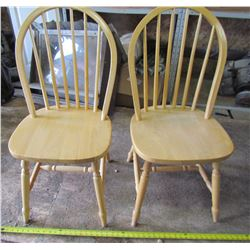LOT OF 2 KITCHEN CHAIRS (WOOD)