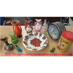 LOT OF MISC ITEMS ( 5 X VASES, 2 X POP BOTTLES, 2 X TINS, AND PLASTIC TRAY)