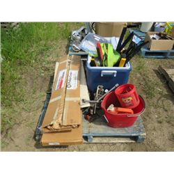 LOT OF AUTOMOTIVE EQUIPMENT (SNOW BRUSHES, TIRE IRON, TOW ROPE, ASSORTED O RINGS, LARGE RUBBERMAID C