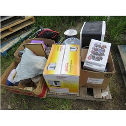 LOT OF ASSORTED HOUSEHOLD ITEMS (HUMIDIFIER, LADIES SKATES, ETC)