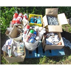 LOT OF MISC SHOP ITEMS (7 X SEED SHAKERS, 3 X FIRE EXTINGUISHERS, BOX OF PEGBOARD HOOKS, SPRAY PAINT