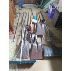 LOT OF ASSORTED YARD TOOLS (SHOVELS, ROOF SCRAPERS, RAKES, ETC…)