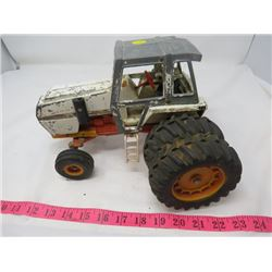 TOY TRACTOR (METAL)