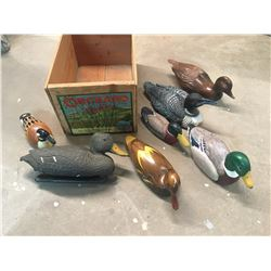 APPLE CRATE WITH DUCK DECOR AND DECOY