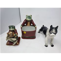 LOT OF 2 FROGS AND A DOG FIGURENES
