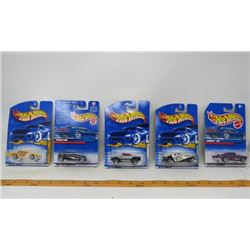 LOT OF 5 HOT WHEELS (CHEVY 1957, T-BIRD 1957, BUGATTI 1937, MEGA DUTY, PHAETON)