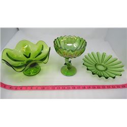 LOT OF 3 PIECES OF GREEN GLASS (CANDY DISHES)