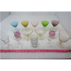 LOT OF 14 MARTINI GLASSES (VARIOUS COLORS)