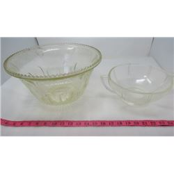 LOT OF 2 GLASS BOWLS (PUNCH BOWL AND SERVING BOWL)