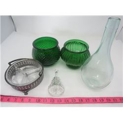 LOT OF ASSORTED GLASS ITEMS (CANDY DISH, BELL ETC…)