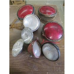 LOT OF ASSORTED TRACTOR AND LARGE VEHICLE TAIL LIGHTS