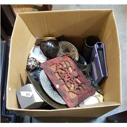 LARGE BOX OF ASSORTED DÉCOR & COLLECTIBLES