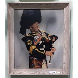VINTAGE FRAMED OIL ON BOARD BAGPIPER, SIGNED