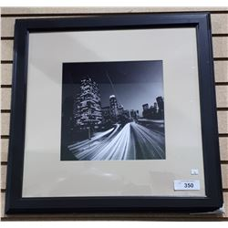FRAMED BLACK/WHITE CITY PHOTO