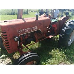 International B275 Diesel Tractor (still working)