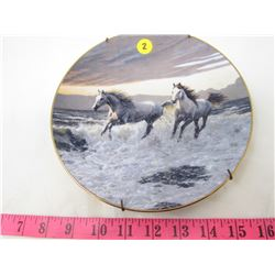 """COLLECTIBLE PLATE (HORSES """"WILD HEARTS"""") *BY PERRIS CLAYTON WEIRS* (PLATE # 1143 A)"""