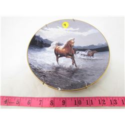 "COLLECTIBLE PLATE (HORSES ""BREAKAWAY"") *BY PERRIS CLAYTON WEIRS* (PLATE # 432 B)"