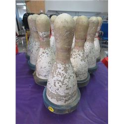 LOT OF 10 BOWLING PINS