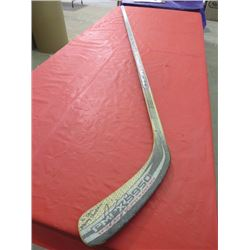 HOCKEY STICK (SHER-WOOD PMPX 9950 IRON CARBON ) *SIGNED*
