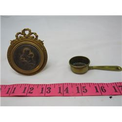 LOT OF 2 RELIGIOUS COLLECTIBLES (ST. CHRISTOPHER AND SMALL SCOOP)
