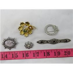 LOT OF 5 JEWELLERY BROOCHES