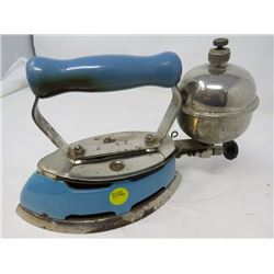 STEAM IRON (COLEMAN) *ANTIQUE*