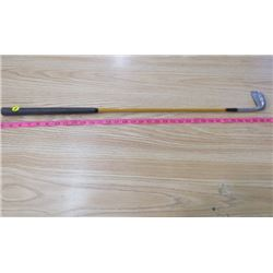 PUTTER (WOOD SHAFT GOLD)