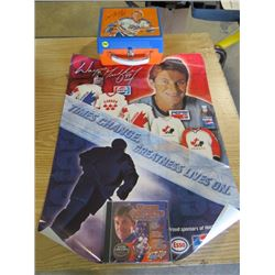 LOT OF WAYNE GRETZKY ITEMS (LUNCH BOX, POSTER, DVD)
