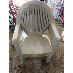 LOT OF 4 PATIO CHAIRS (PLASTIC) *WITH COVER*