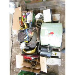 LOT OF MISC ITEMS ( GRAIN BLOWER, 2 X ELECTRIC HEATERS, MOTION ACTIVATED LIGHTS, GLOVES, WD-40, ETC)