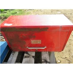 "TOOL BOX (26.5"" X 14"" X 12"") *6 DRAWERS* (LOCKS WITH KEY) *MISC CONTENTS INCLUDED*"