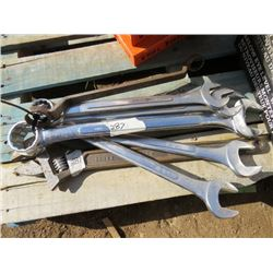 """LOT OF WRENCHES (1 3/8"""" TO 2"""")"""